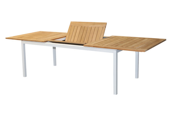 Essence Teak Ext Table Opening
